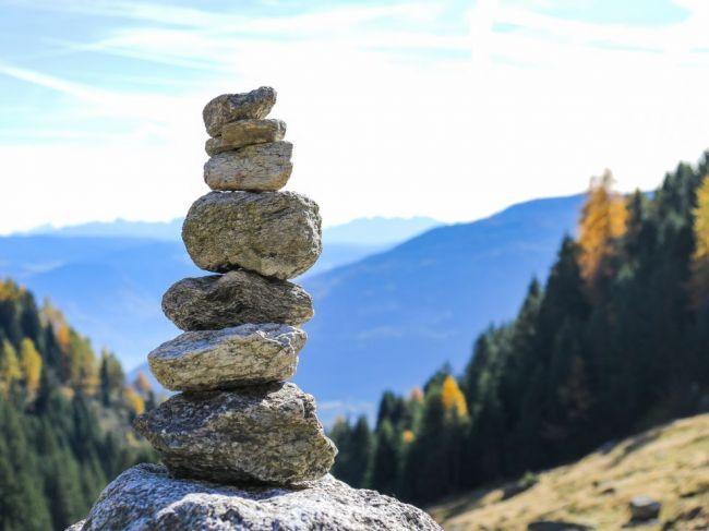 Temné tajomstvo kamenných mužíkov a prečo by ste ich nikdy nemali stavať