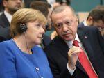 Erdogan na stretnutí s Merkelovou varoval pred chaosom v Líbyi