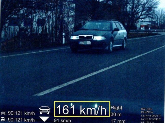 Vodič Škody Octávie prišiel o vodičák, aj o doklady od auta