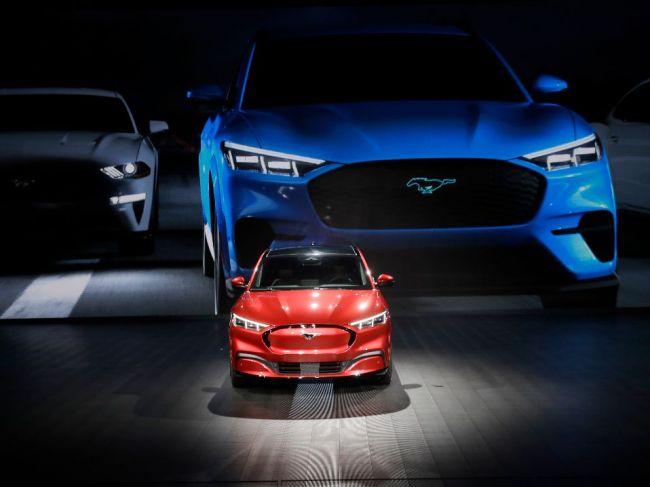 Nepriaznivé výsledky Fordu priniesli výrazné zmeny v manažmente