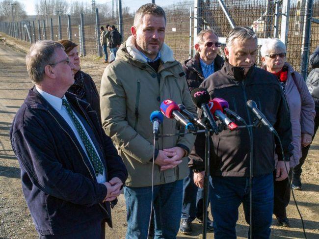 Slovensko je pripravené pomôcť chrániť južné hranice Maďarska, avizoval premiér