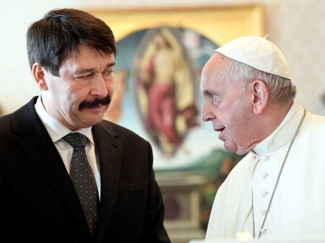 Pápež prijal maďarského prezidenta, dostal pozvanie do Maďarska