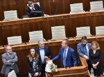 Nezaradení poslanci ďalej blokujú schôdzu, chcú, aby o nej rozhodol Ústavný súd