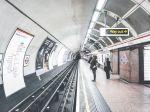 Firmy v Británii sa boja nedostatku ľudí po zavedení nových migračných pravidiel