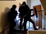VIDEO: Ženu zo zajatia vyslobodili až kukláči