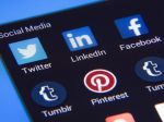 Problematický obsah má na webe väčší úspech ako spravodajstvo