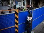 Čína zmiernila karanténne opatrenia v meste Wu-chan