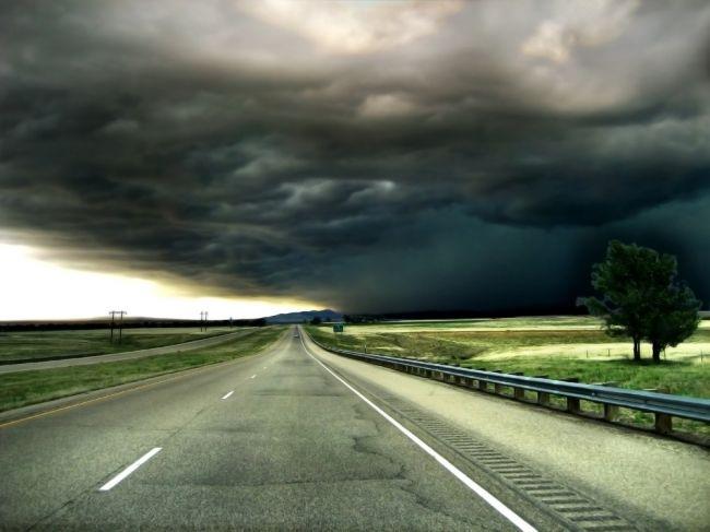 SHMÚ varuje pred nárazovým vetrom, môže dosiahnuť silu orkánu