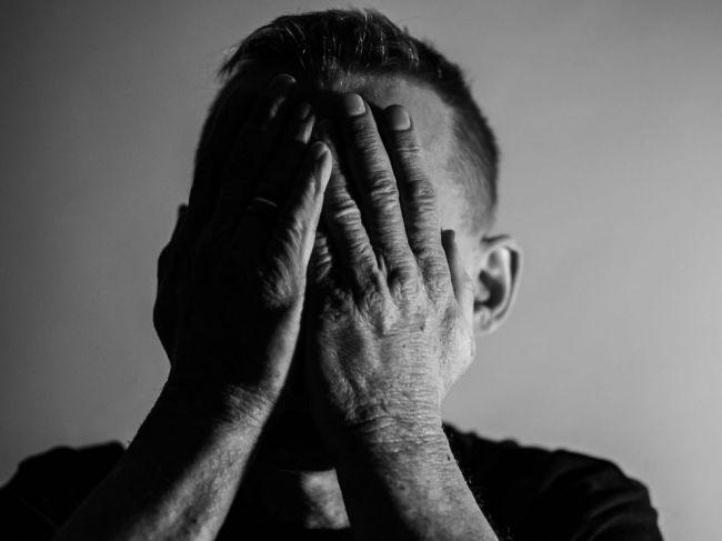 Vedci spoznali nový typ schizofrénie. Mozog nositeľa vyzerá takmer ako zdravý