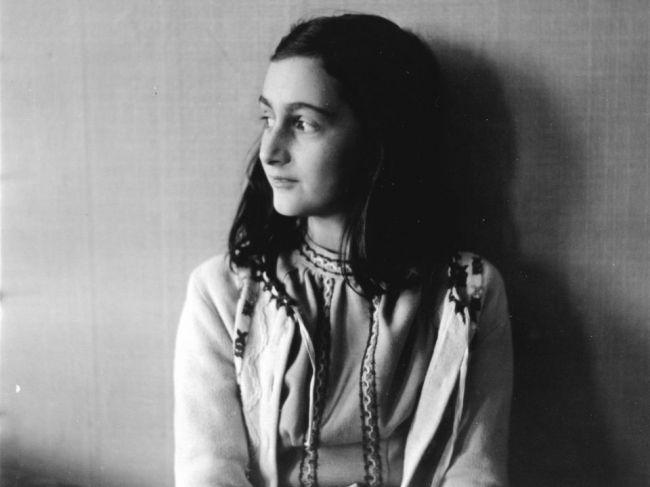 Anna Franková, autorka známeho denníka, zomrela pred 75 rokmi