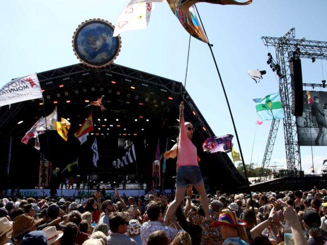 Pre koronavírus zrušili festival Glastonbury, mal osláviť 50. výročie