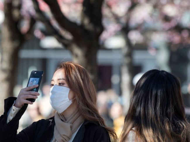 Zmierni sa šírenie koronavírusu v lete? Nové testy to môžu odhaliť
