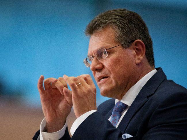 Šefčovič: EÚ sa pre pandémiu pripravuje na ekonomickú krízu a na plán oživenia