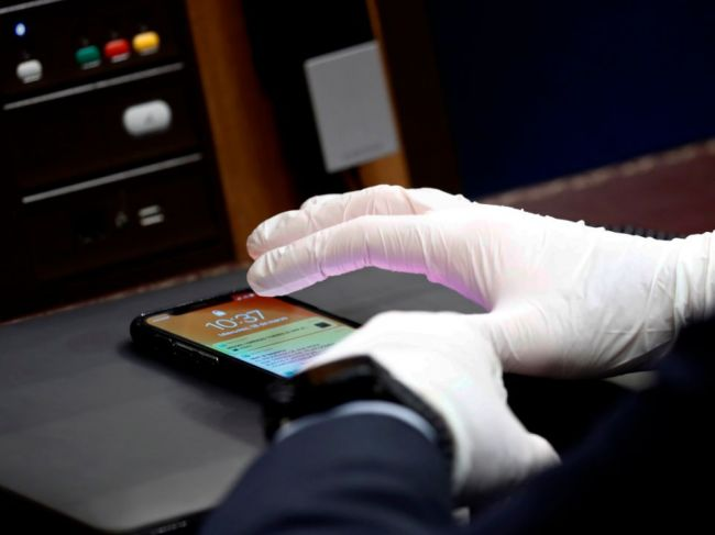 Ako správne vyčistiť a dezinfikovať mobilný telefón