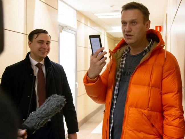 Ruský opozičný politik sa opäť stal terčom útoku, tentoraz múkou a mliekom