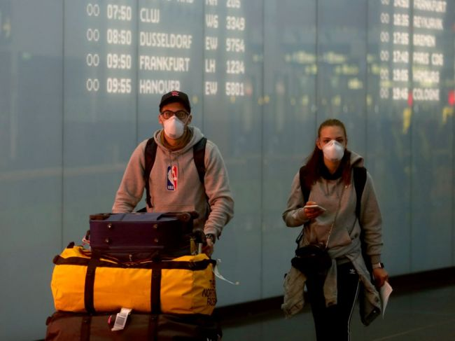 Evakuačný let z Washingtonu so Slovákmi priletí do Bratislavy v piatok