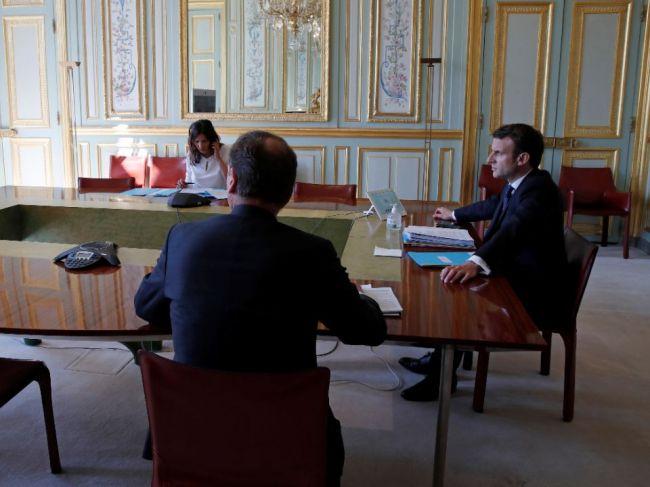 Vo Francúzsku bolo podaných 6 žalôb proti vláde za nekonanie pri šírení vírusu