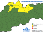 SHMÚ upozorňuje na sneženie a snehové jazyky a záveje