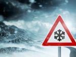 SHMÚ upozorňuje na silný vietor, v týchto krajoch bude snežiť