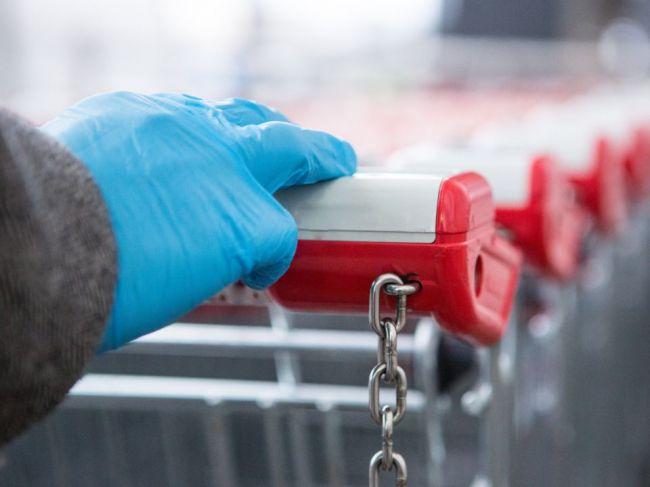 Prečo by ste pri nakupovaní nemali nosiť rukavice