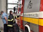 Viac ako 40 hasičov zasahuje pri požiari lesa