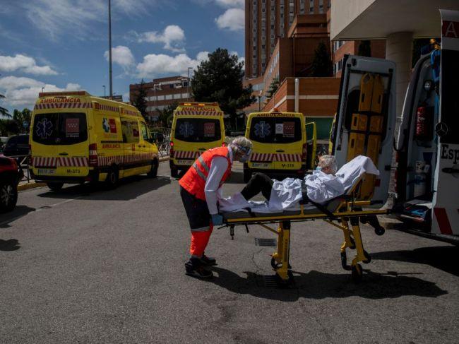 Španielsko hlási 56 nových úmrtí, podľa Simóna sa epidémia blíži ku koncu