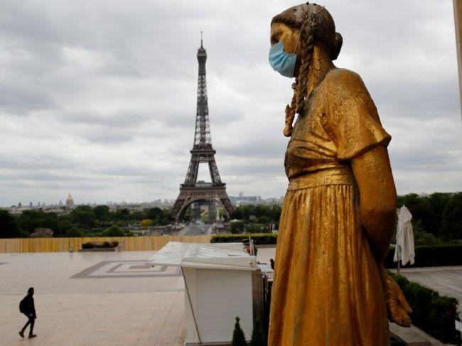 Francúzsko hlásilo 74 nových úmrtí, zverejnilo len čiastkovú bilanciu