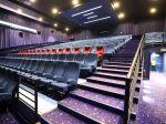 Do zahraničia možno cestovať na 48 hodín, kiná a divadlá otvoria i v nedeľu