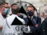 Macron: Francúzsko podporí automobilový priemysel vyše 8 miliardami eur