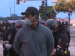 Video: Reportéra CNN zatkli počas živého vysielania