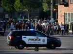 Policajta dali za smrť Afroameričana Georgea Floyda do väzby