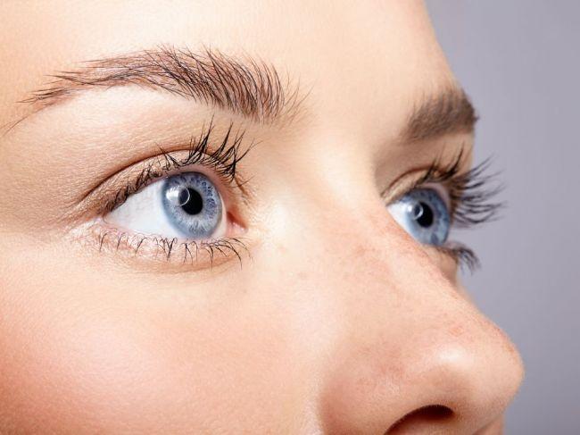 Prvé varovné príznaky Alzheimerovej choroby badať v očiach