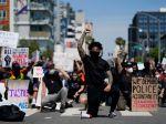 Kalifornia odporučila uzavretie všetkých štátnych budov v centrách miest