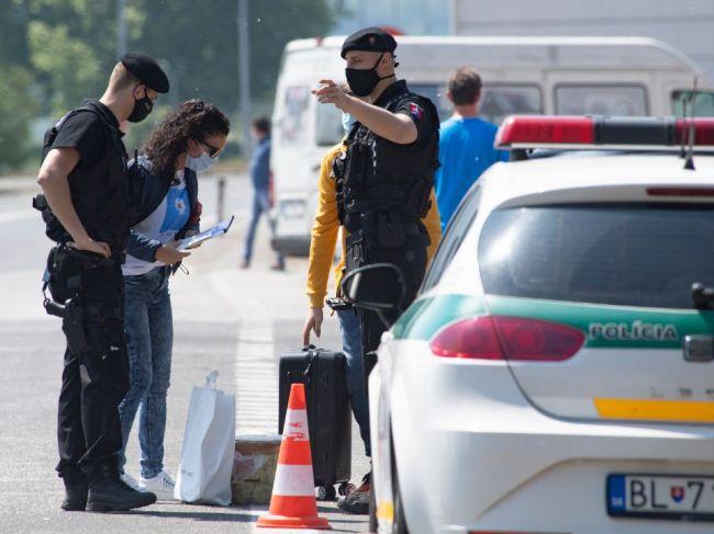 Rakúsko ruší kontroly na hraniciach