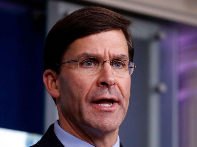 Americký minister obrany odmieta nasadenie armády voči protestujúcim