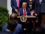 Trump oslávil správu o raste pracovných miest a poklese nezamestnanosti v máji