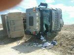 Na stavbe D4/R7 sa prevrátilo nákladné vozidlo, šofér utrpel zranenia