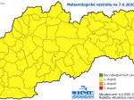 SHMÚ: Na celom Slovensku hrozia v nedeľu búrky s krúpami