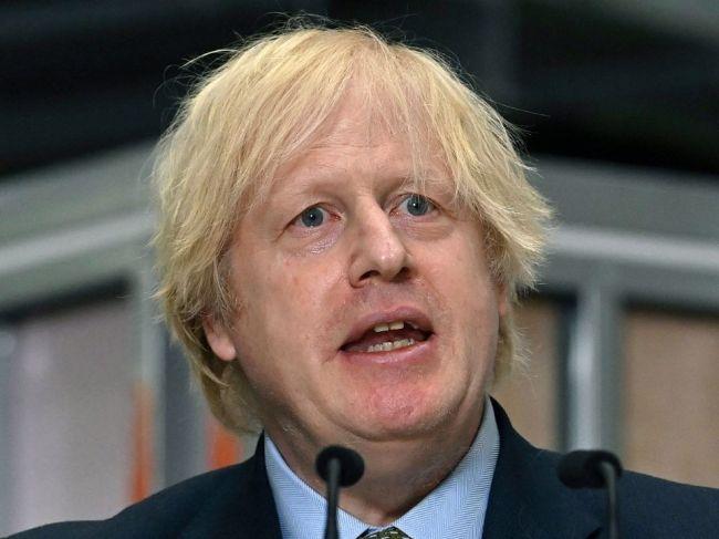 Boris Johnson predstavil víziu, ako dostať ekonomiku z hlbokej recesie