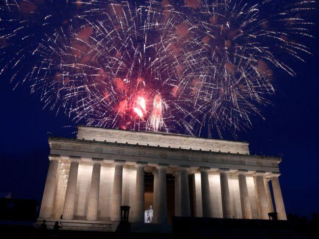 Trump plánuje 4. júla veľký ohňostroj, napriek obavám starostky Washingtonu