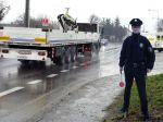 Na diaľnici D1 ukradli policajta