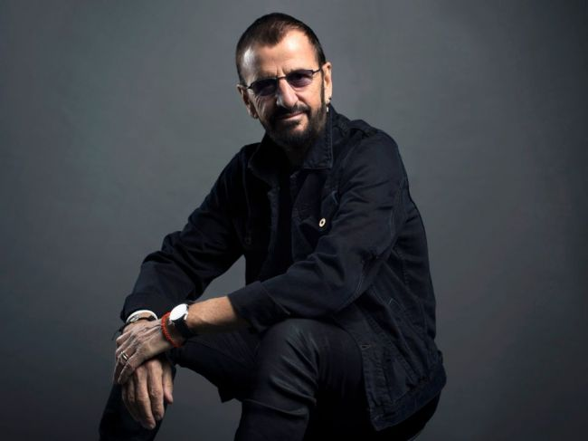 Ringo Starr, člen legendárnej skupiny Beatles jubiluje