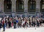 Francúzsko odhaduje, že do apríla sa koronavírusom nakazilo 6,7 percenta občanov