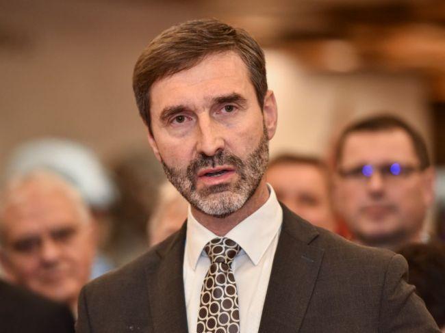 Veľká Británia má Slovensko na zozname rizikových krajín, Blanár to kritizuje