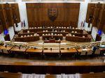 Poslanci sa zídu opäť v utorok, hovoriť majú o zmenách v štátnom rozpočte