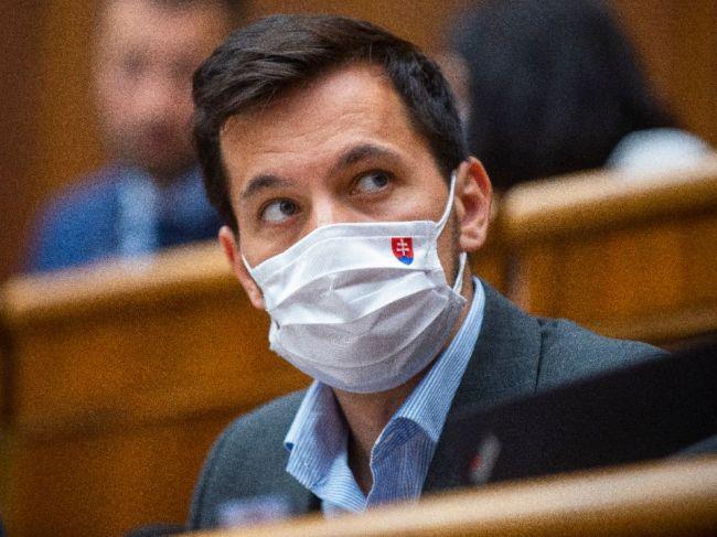 Šeliga: Mrzí ma, že je tu opäť téma záverečných prác, odpovedať musí minister