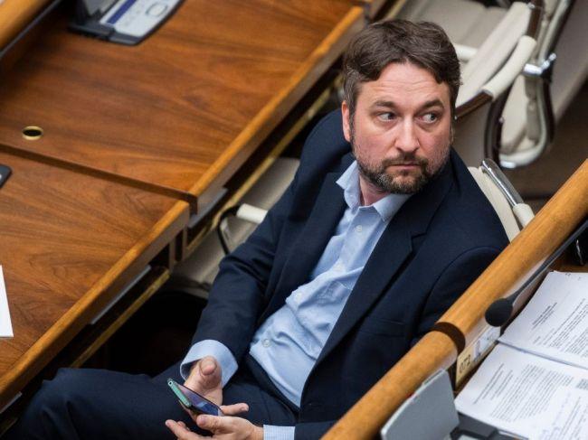 NAKA obvinila Ľuboša Blahu, Robert Fico stojí za ním