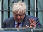 Boris Johnson sľúbil, že dá nezávisle preskúmať reakciu vlády na pandémiu
