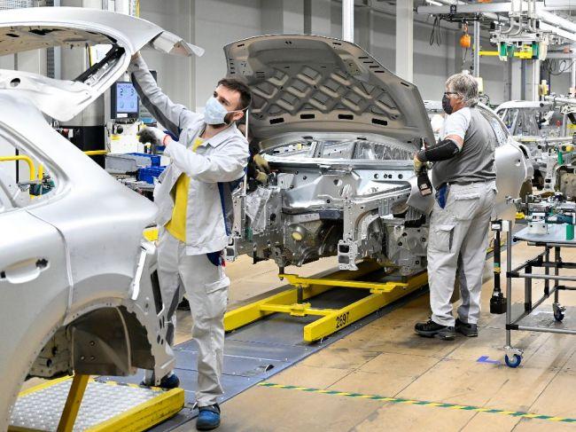 Predaj nových áut v EÚ v 1. polroku klesol o 38,1 %