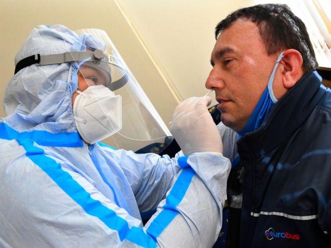 Slovenskí hygienici objavili nové ohnisko nákazy koronavírusom